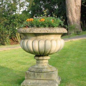 VS230-Leopold-Tazza-cast-stone-urn-acanthus-cast-stone